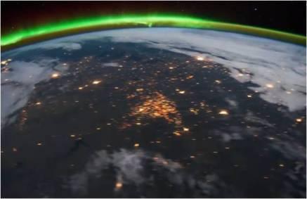 Les sites d'extraction de gaz de schiste dans le Dakota du Nord, vus de la Station Spatiale Internationale