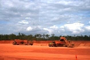 Mine de Bauxite australienne (crédit : Wikimedia.org)