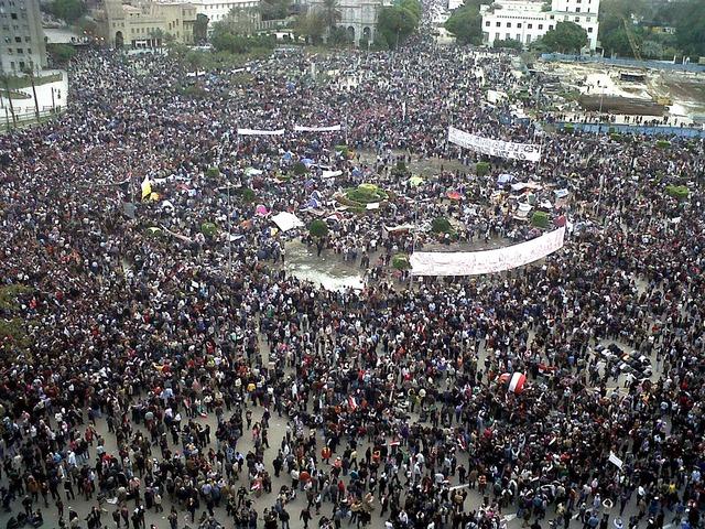 La place Tahrir au Caire en février 2011 (source : Wikimedia.org)