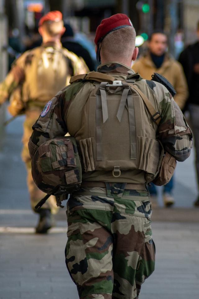 Tribune de militaires : une pétition de soutien au grand succès