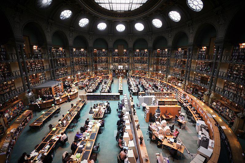 Par rapport à l'actuelle BNF quai Tolbiac, certains ne manqueront pas de regretter le charme désuet de l'ancien site Richelieu
