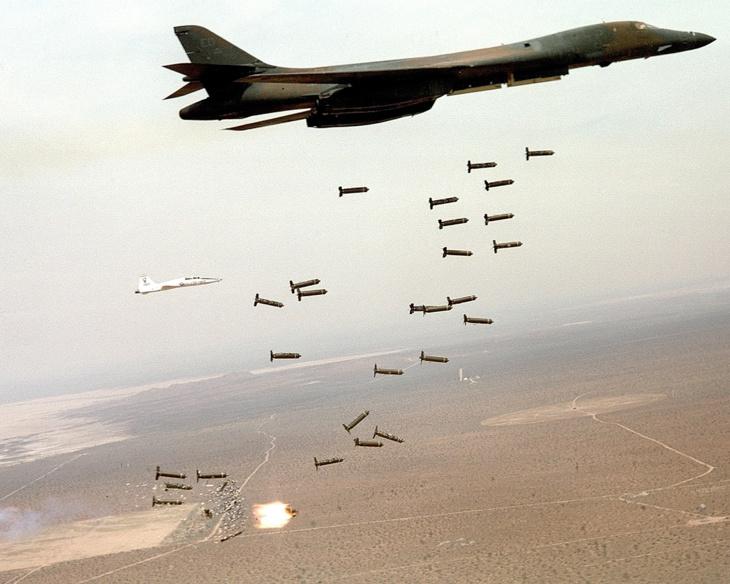 """Le """"tapis de bombes"""" n'est plus vraiment d'actualité, mais la consommation de munitions croît tout de même fortement depuis 2001"""