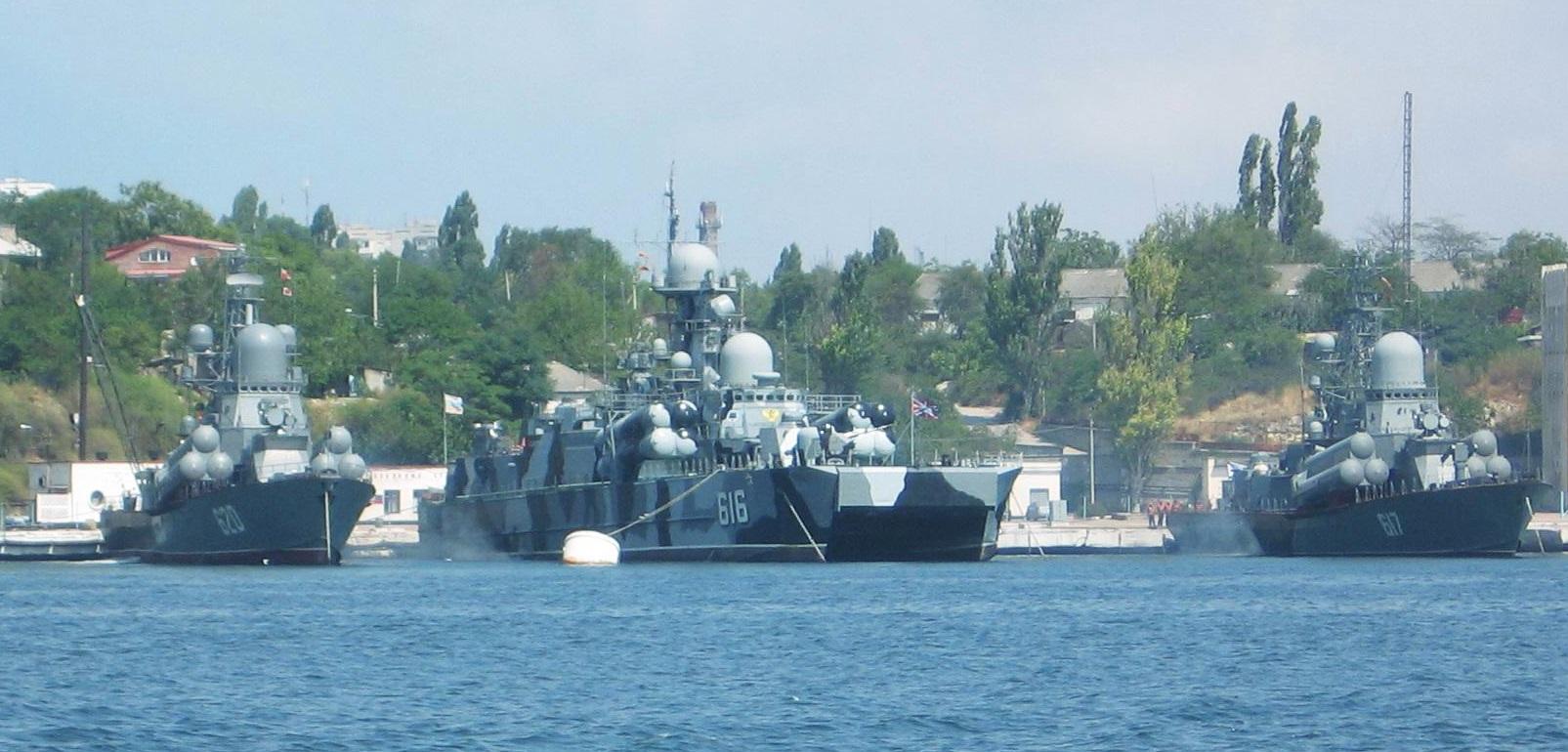 Corvettes lance-missiles dans le port de Sebastopol. La Flotte de la Mer Noire conserve une importance capitale pour Moscou.  (Licence Creative Commons.org)