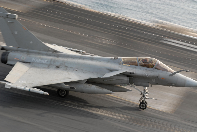 Rafale Marine de Dassault sur le PA Charles de Gaulle