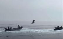 Les commandos des Royal Marines testent le jet pack